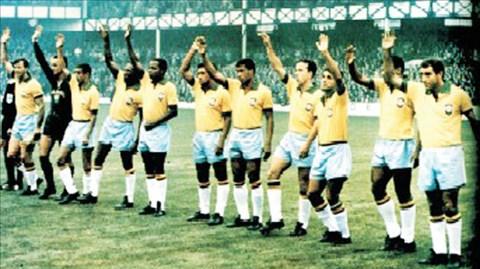 ĐKVĐ Brazil bị loại ngay từ vòng bảng