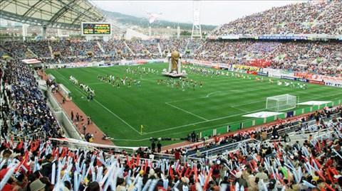 Lễ khai mạc hoành tráng ngày 31/5/2002 tại Hàn Quốc mở ra một kỳ World Cup với nhiều điều kỳ lạ
