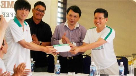 Tổng thư ký VFF Lê Hoài Anh thăm đội U19 Việt Nam