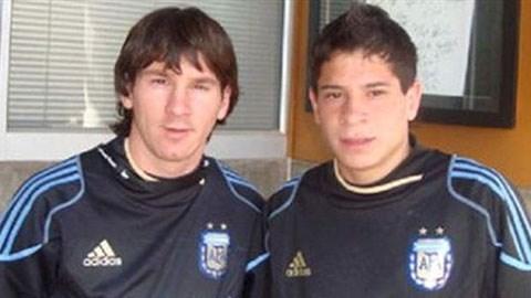 Messi và Iturbe chụp ảnh cùng nhau