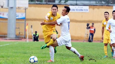 Xuân Tú (trái) cùng đồng đội sẽ vượt qua thách thức tại Quảng Nam