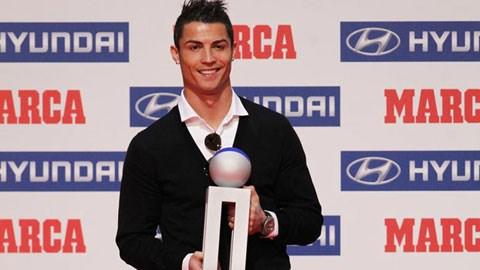 Ronaldo lại vừa được tờ Marca tôn vinh