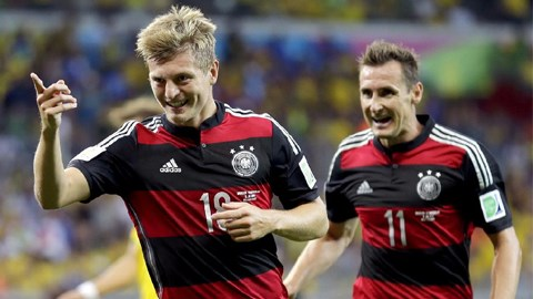Kroos từng được liên hệ với Barca