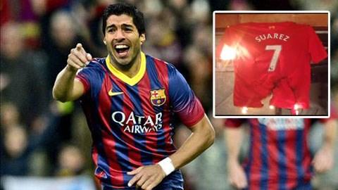 Nhiều CĐV Liverpool không hài lòng khi Suarez đến Barca