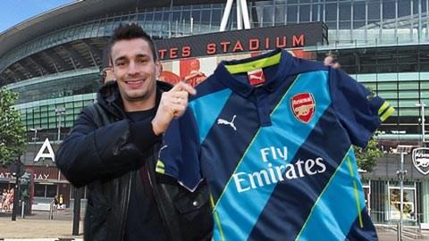 Debuchy sẽ chính thức là người của Arsenal vào tối nay