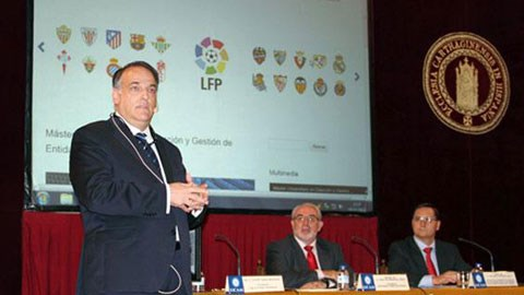 Chủ tịch LFP, Javier Tebas đau đầu với bài toán nợ lương