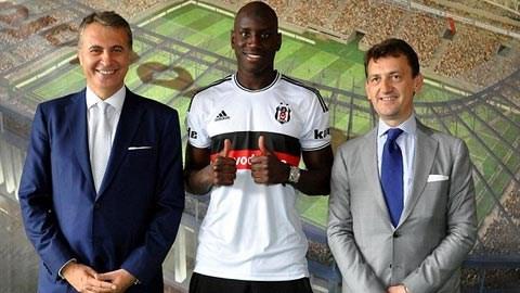 Demba Ba mặc áo số 9 tại Besiktas