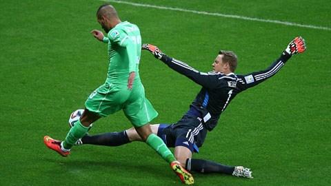 Neuer trong trận gặp Algeria