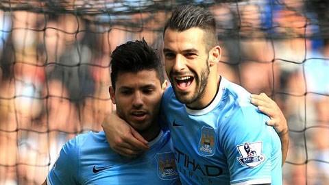 Negredo (phải) vẫn cần thiết khi Aguero gặp vấn đề về thể lực