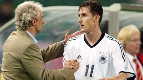 Klose là cây ghi bàn số 1 tuyển Đức (71 bàn) và World Cup (16 bàn)