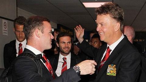 HLV Van Gaal đau đầu để tìm vị trí cho Rooney