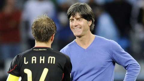 Philipp Lahm để lại cho HLV Joachim Loew bài toán khó khi tìm người thay anh