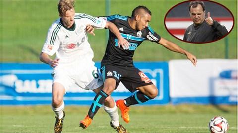 Marseille (phải) đã có sự khởi đầu rất tốt với tân HLV Bielsa