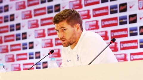 Gerrard là tấm gương lớn cả về chuyên môn lẫn tư cách đạo đức cho mọi cầu thủ Anh