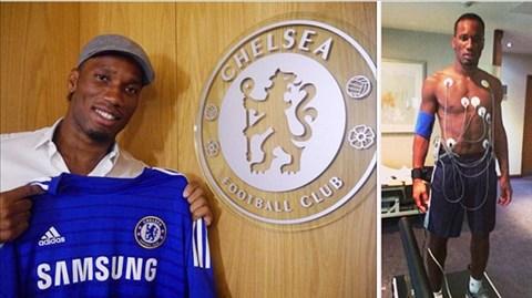 Hôm qua, Drogba bất ngờ trở lại Chelsea với bản hợp đồng 1 năm