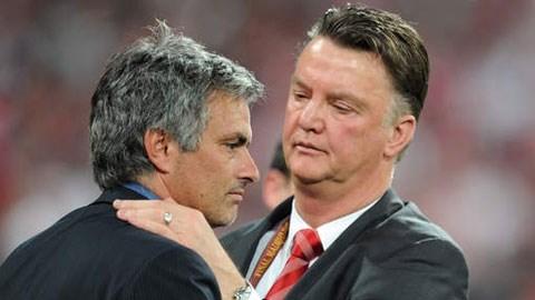 HLV Mourinho từng có thời gian làm việc với van Gaal ở Barca