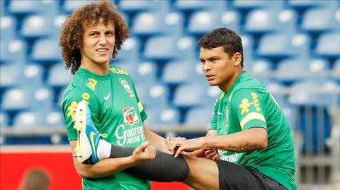 HLV Laurent Blanc (ảnh dưới) khẳng định ông vẫn tin tưởng vào bộ đôi trung vệ người Brazil, David Luiz - Thiago Silva