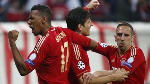 Boateng (trái) là mục tiêu mới của Barca và Real?