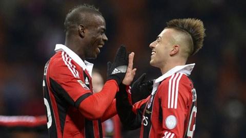 Nếu Balotelli (trái) tìm lại phong độ sát thủ, trong khi các tài năng trẻ như El Shaarawy chơi thăng hoa,<br /> Milan hoàn toàn có quyền mơ về Scudetto