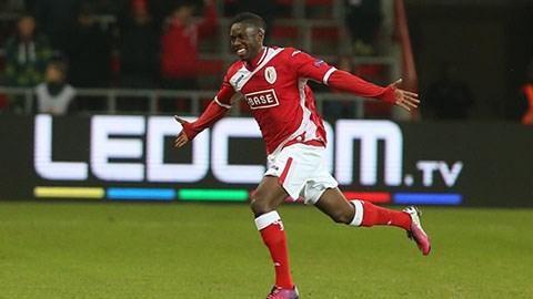 Mbombo tỏa sáng đưa Standard Liège lọt vào vòng sơ loại cuối cùng