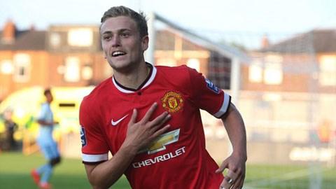 James Wilson ghi cả 4 bàn giúp đội 2 M.U đè bẹp các đồng nghiệp Man City 4-1