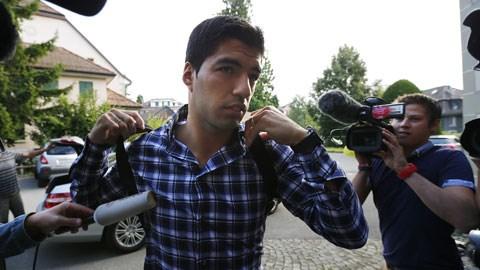 Suarez trên đường đến dự phiên xử kháng án ở Thụy Sỹ