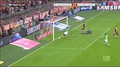 Pha bỏ lỡ khó tin ở cự ly 1m của cầu thủ Wolfsburg trong trận gặp Bayern