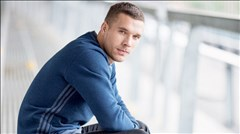 Podolski trên đường gia nhập Juventus