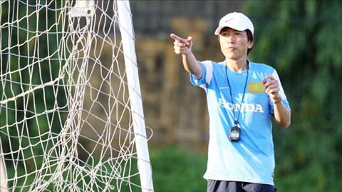 HLV Toshiya Miura muốn xây dựng một lối chơi hiện đại và giàu thể lực cho ĐT Olympic Việt Nam