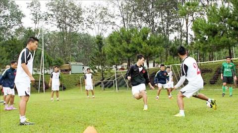 Buổi tập của ĐT U19 Việt Nam tại Trung tâm Hàm Rồng (Gia Lai)
