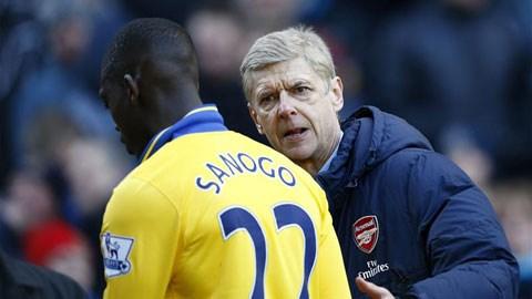 HLV Wenger đã rút Yaya Sanogo ra quá chậm<br />