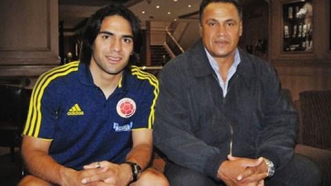Falcao và cha đẻ của mình