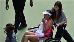 Bán kết US Open: Peng rời sân bằng xe lăn, Wozniacki gặp Williams ở chung kết