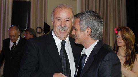 HLV Del Bosque nên nhìn cách dùng Costa của Mourinho bởi dù rất nỗ lực nhưng Costa vẫn tỏ ra lạc lõng