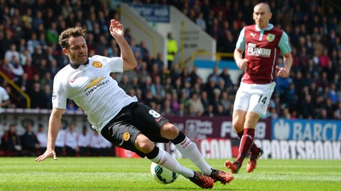 """Từ vị thế """"cứu tinh"""" khi đặt chân đến Man United hồi đầu năm, Mata giờ chẳng khác nào người thừa"""