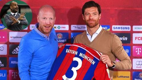 Việc mua về Xabi Alonso có thể khiến HLV Pep Guardiola (ảnh nhỏ) làm mất lòng các trụ cột tại Bayern<br />