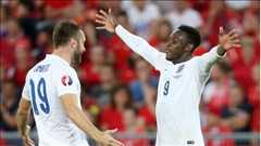 Welbeck tỏa sáng, Arsenal vui mừng
