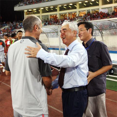 """Chủ tịch VFF Lê Hùng Dũng: """"Mục tiêu của U19 Việt Nam là ở phía trước"""""""
