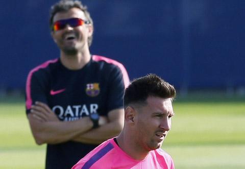 """Enrique ví von Messi với """"Đội trưởng Tsubasa"""""""