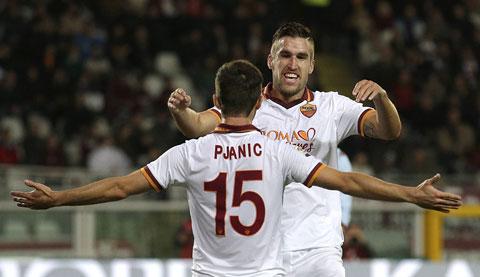 Roma nhả Strootman vì muốn có Mata?