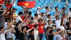 Đông đảo kiều bào có mặt cổ vũ Olympic Việt Nam
