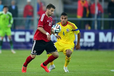 """Cristian Manea, """"thần đồng"""" Romania cập bến Chelsea vào tháng Giêng"""