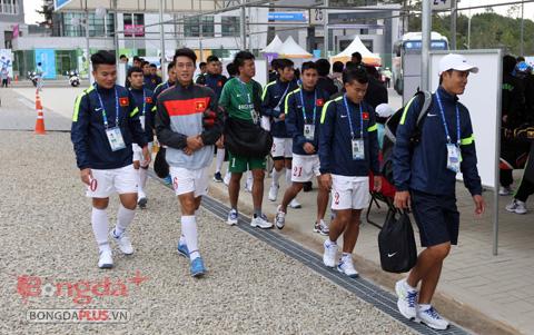 Olympic Việt Nam hăng hái tập luyện trước trận gặp Kyrgyzstan
