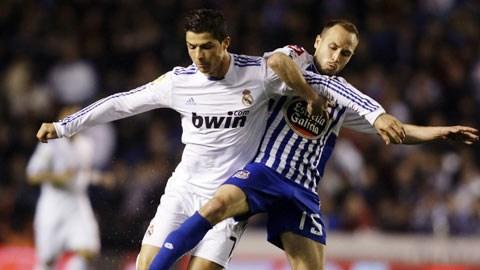 Với sự quyết tâm rất cao và lực lượng vượt trội, Ronaldo (áo sáng) cùng đồng đội đủ sức lấy trọn 3 điểm tại Riazor