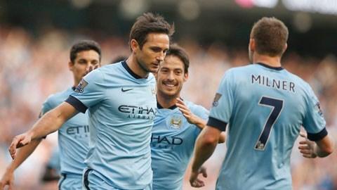 Lampard (trái) sẽ tiếp tục tỏa sáng để mang về chiến thắng cho Man City?