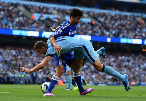 """Chelsea là """"độc cô cầu bại"""" ở Premier League?"""