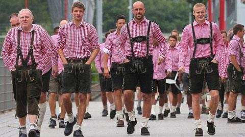 Đại thắng Hannover, dàn sao Bayern tắm mình trong lễ hội bia