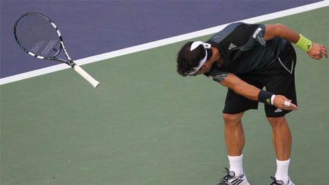 Vòng 2 Shanghai Rolex Masters: Fabio Fognini ném gãy vợt vì thua đối thủ không tên tuổi