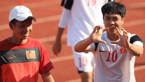 Chùm ảnh U19 Việt Nam: Cười lên cho vui, cười hé hàm răng