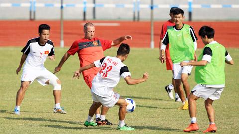 U19 Việt Nam: Vây bắt trên toàn mặt sân!